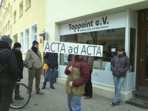 Unsere Demo-Gruppe vor der Toppoint